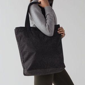 Lululemon Double Up Tote Bag Reflective Black